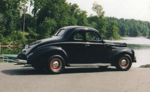 '40 deluxe coupe - hot rod.jpg