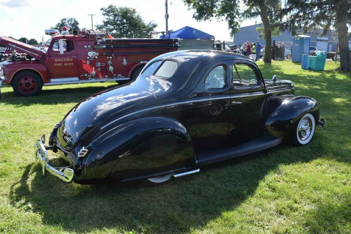 40 FORD COUPE BLK SKIRTS Miss Mayhem 2015-1 (5).JPG