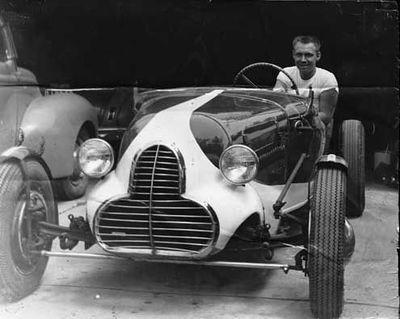 400px-Dick-dean-1930-ford-roadster.jpg