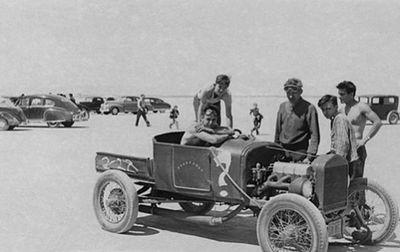 400px-Gerry-nicholson-1927-ford.jpg