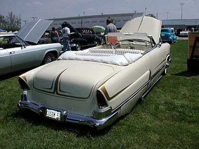 400px-Larry-ernst-1952-ford-5.jpg