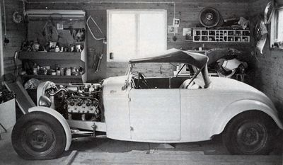 400px-Roland-larsson-32-ford-roadster27.jpg