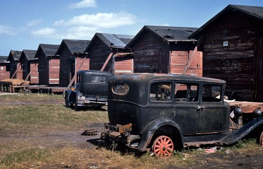 409074d1353113027-old-abandoned-cars-big-thread-migrant-homes-cars-preview.jpg