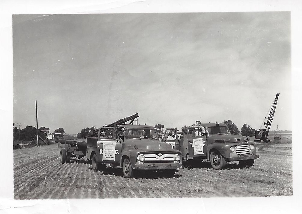 40s bw with pole trailers.jpg