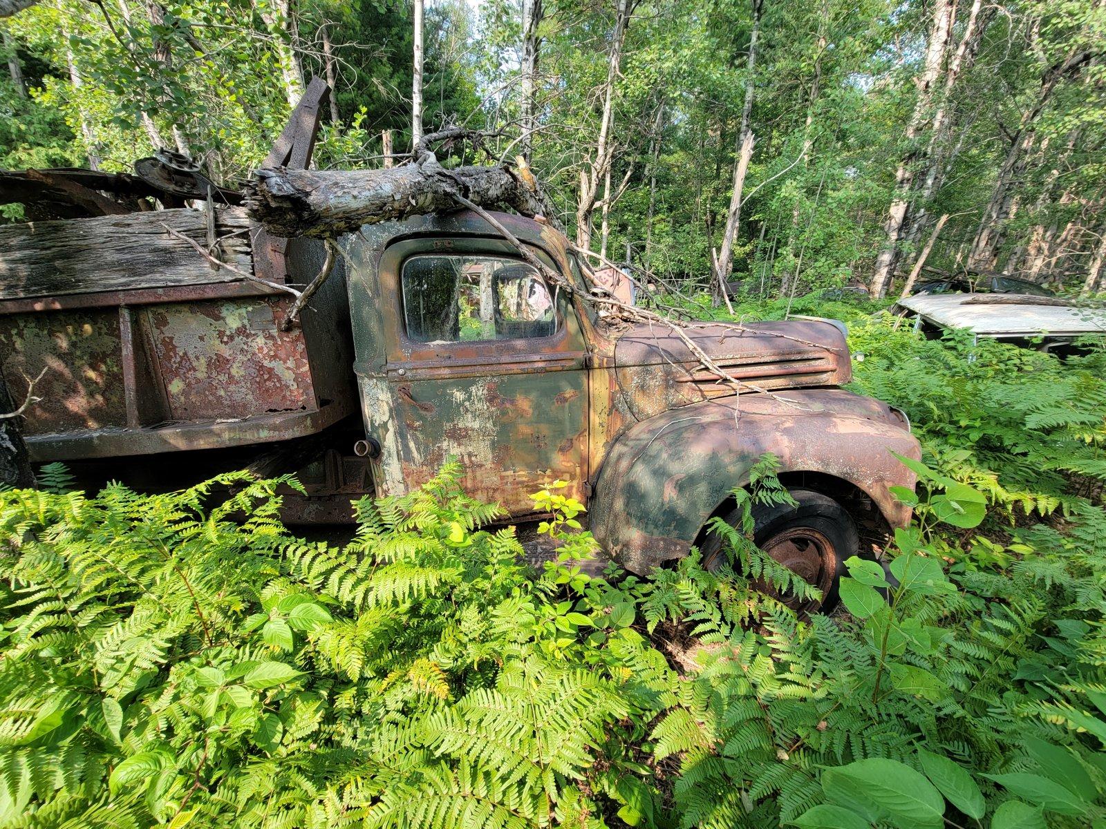 40s Ford dumptruck.jpg
