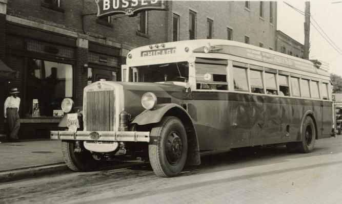 40s Indian Trails Bus - Flint Owosso Line.jpe