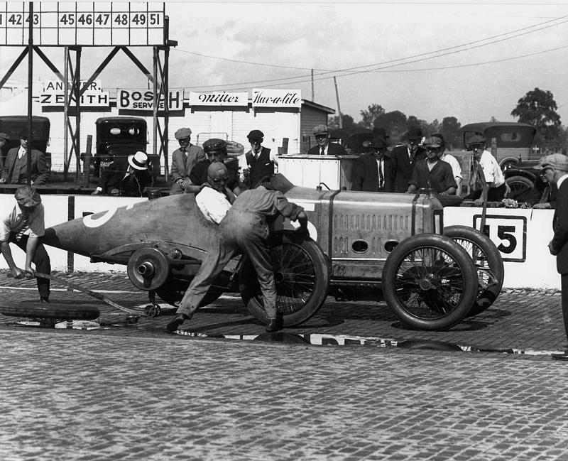 41-Barney Oldfield 1916 Indy practise Delage.JPG