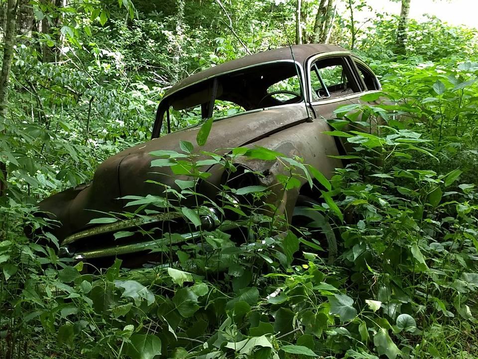 49 Chevy abandoned near cousin Jim.jpg