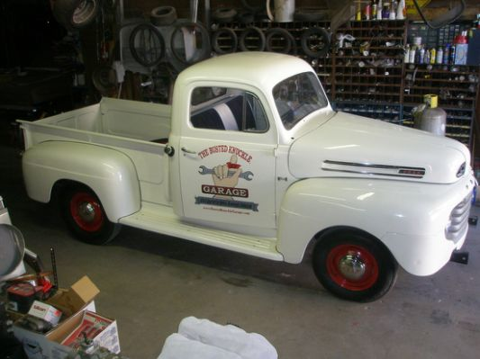 4b9c45dd1dd5da20743d68999718f418--vintage-trucks-old-trucks.jpg.cf.jpg