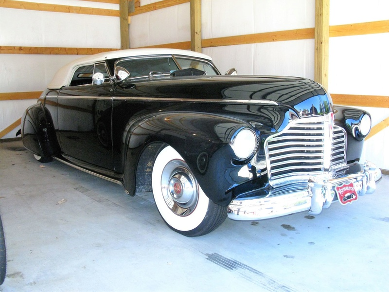 4c 1941 Buick Roadmaster Convertible originally.jpg