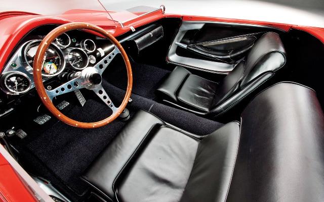 5 - 1960 Plymouth-XNR Concept (interior).jpg