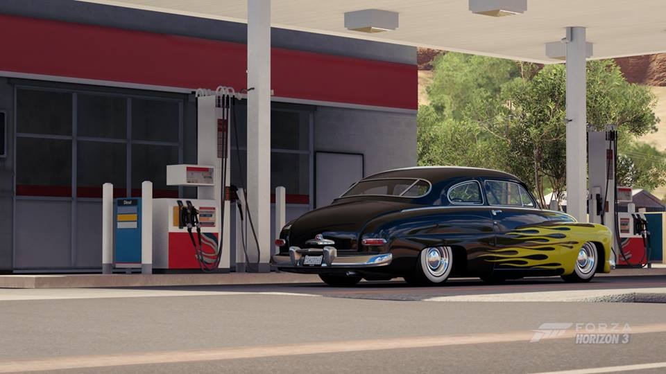 50 mercury flames rear.jpg