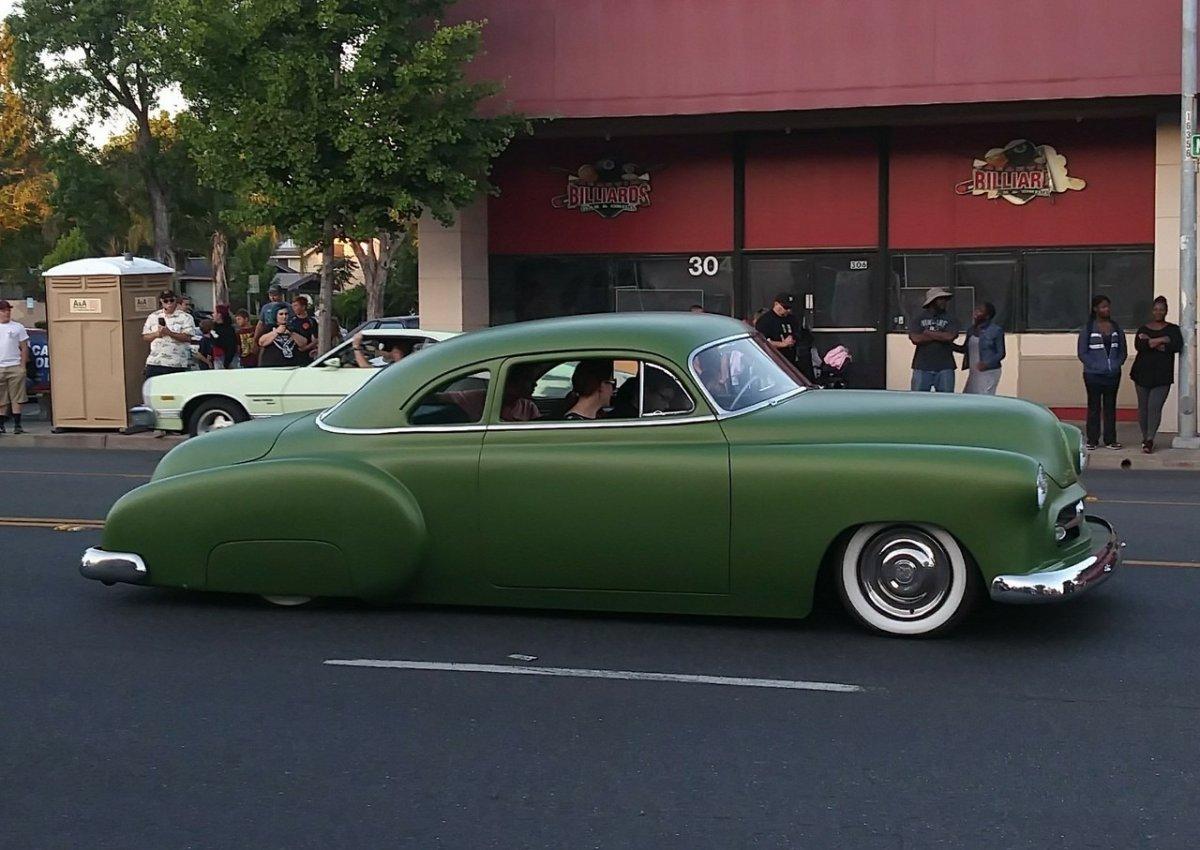 52 Chevy chopt green side pic (2).jpg
