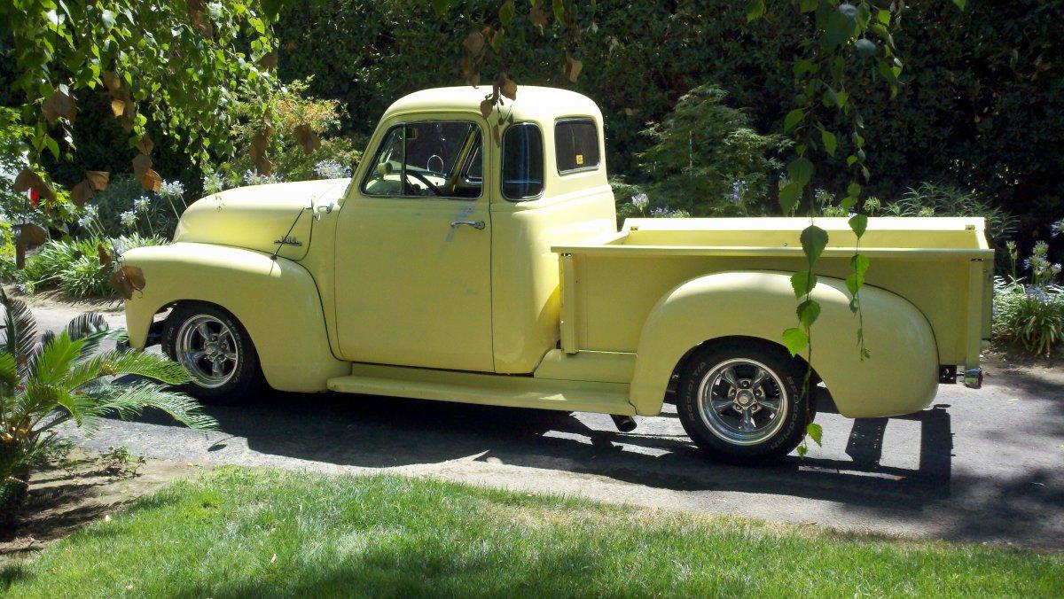 52 Chevy1.jpg