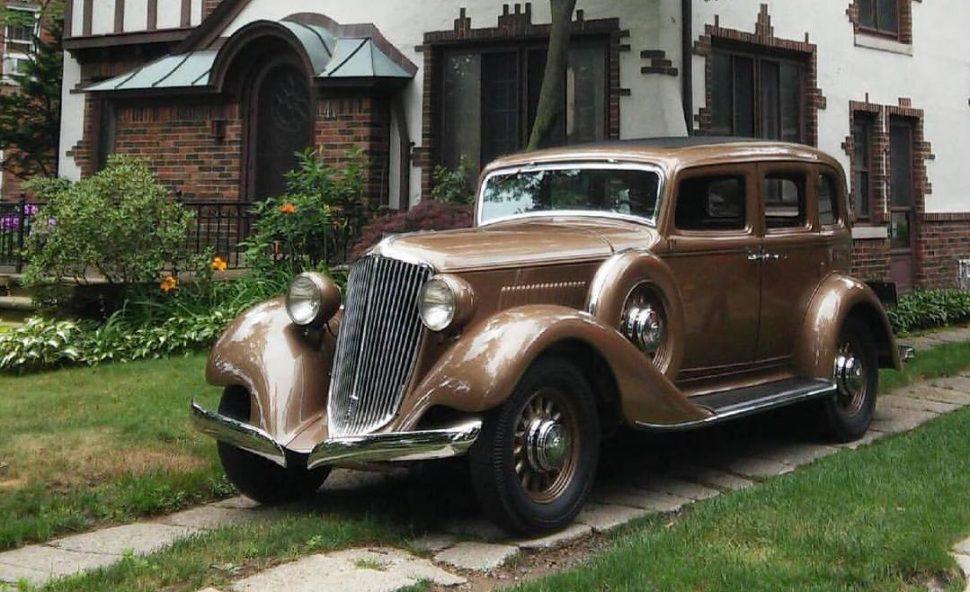 54 GrahamBlueStreak 1933.jpg