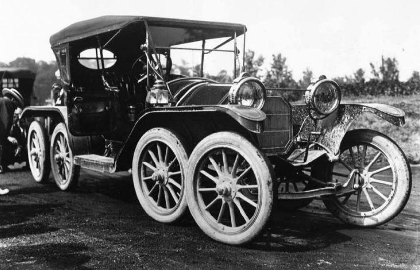 55 1910 Reeves Octoauto2.JPG