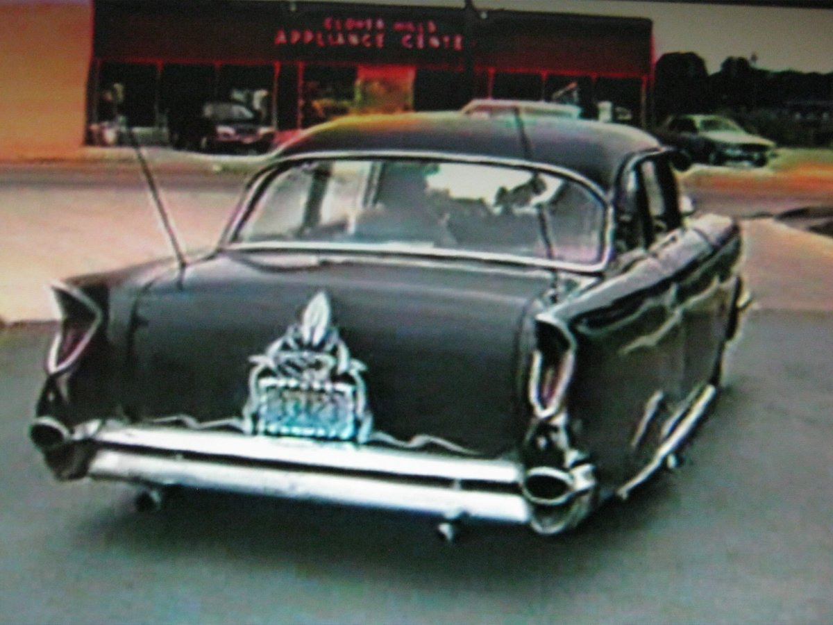 57 Chevy Lost in the 50s d SRFLRS 88.JPG