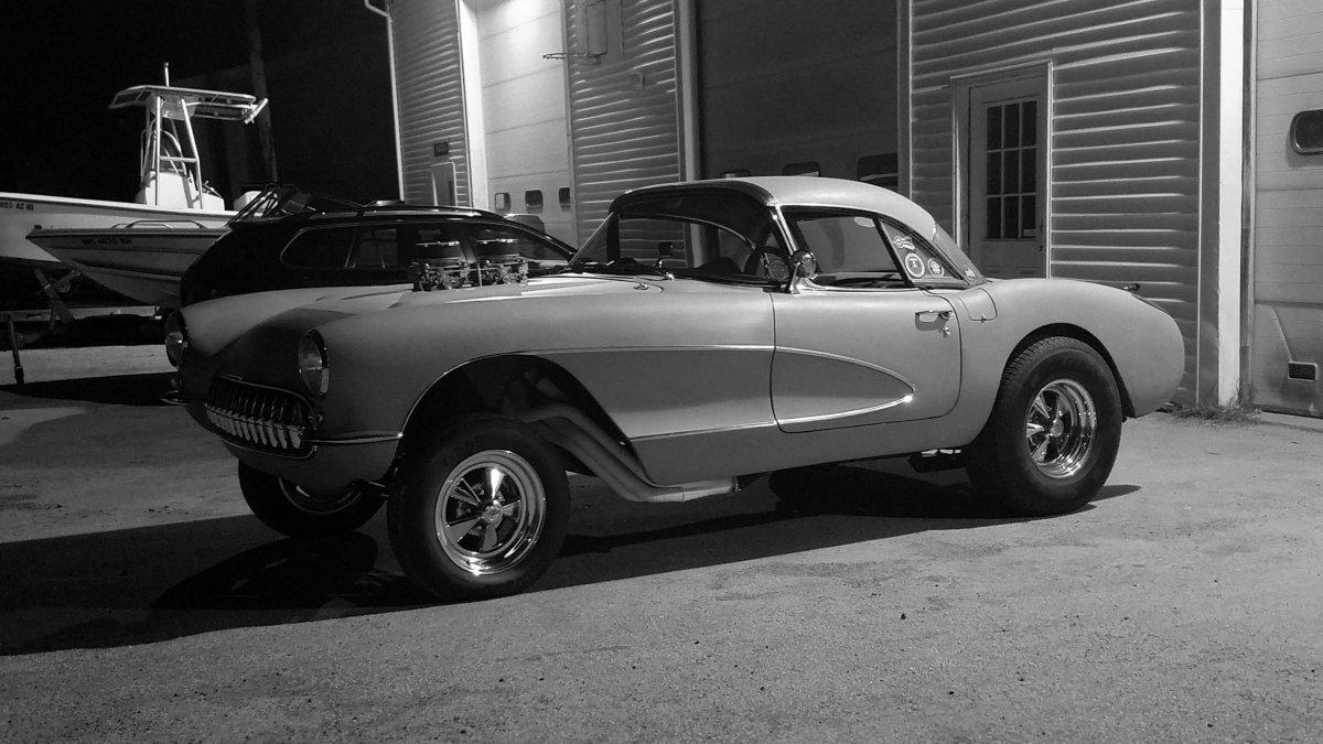 57 Corvette 10 16 2018 bw.jpg