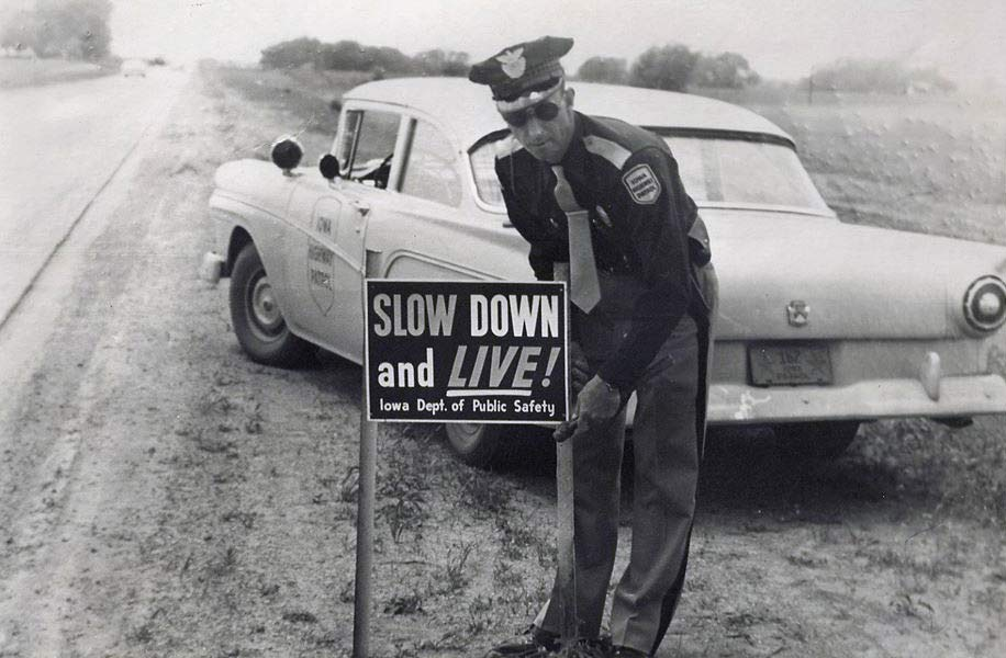 57 Ford iowa highway patrol.jpg