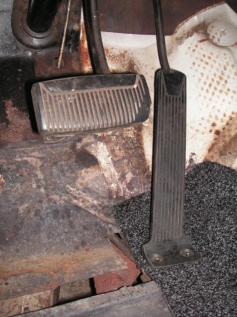 57CS gas pedal 4s.jpg