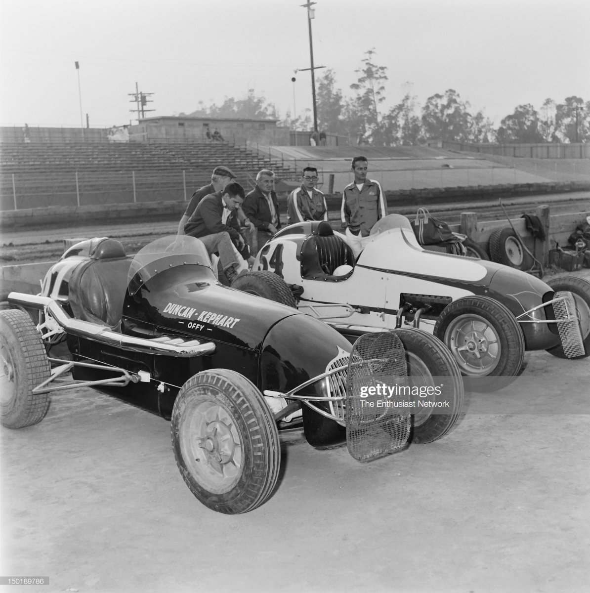 58  1957 Drivers and crew.jpg