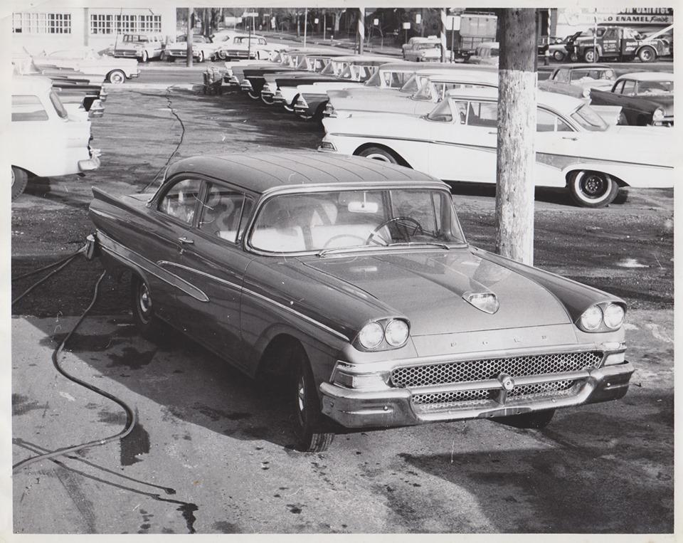 58 Ford Custom.jpg