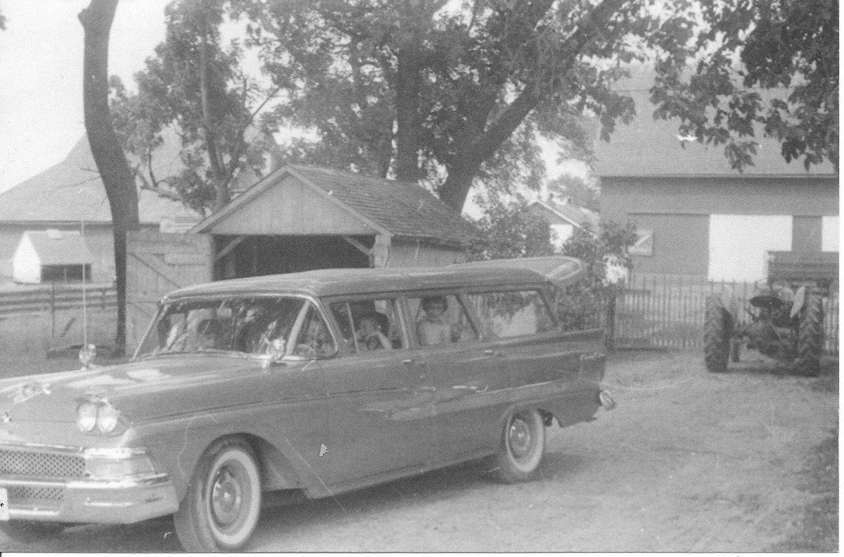 58 Ford wagon dads 001.jpg