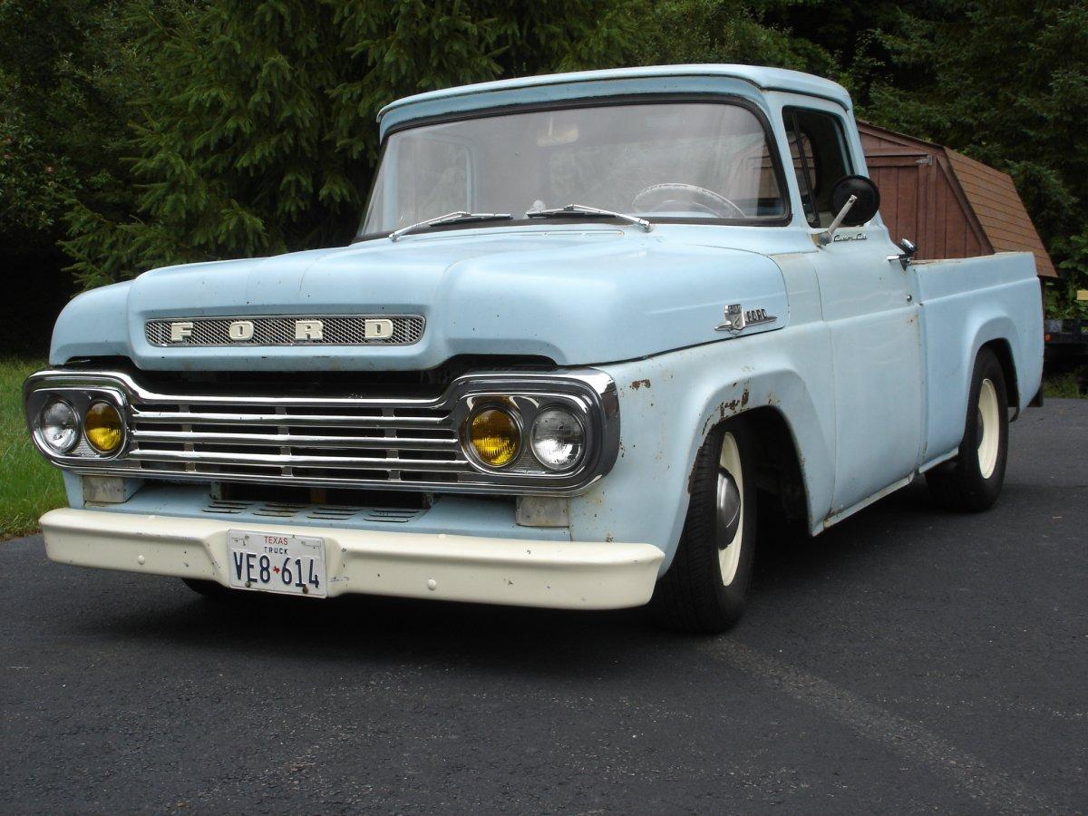 59 F100 light blue.JPG