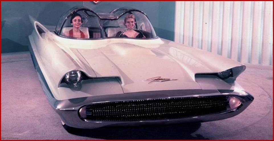 6 1955 LINCOLN FUTURA.png