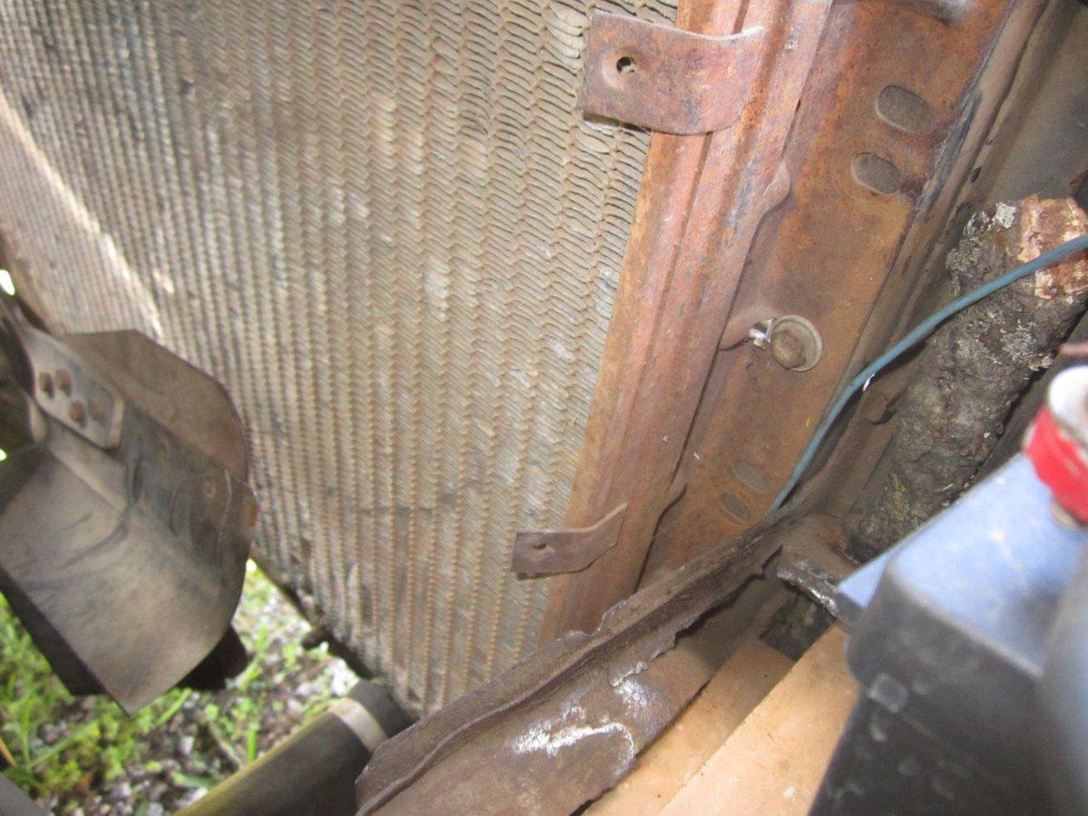 60 radiator 003.JPG