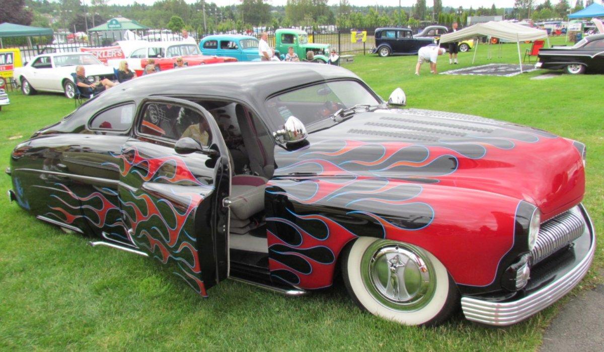 60b hubcap.jpg