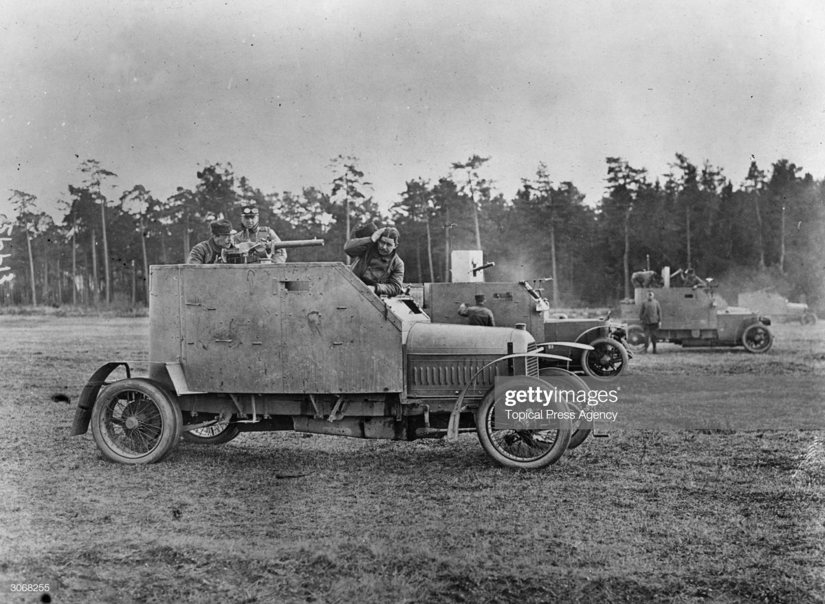 64 1916 French Peugeot armoured car as use.jpg