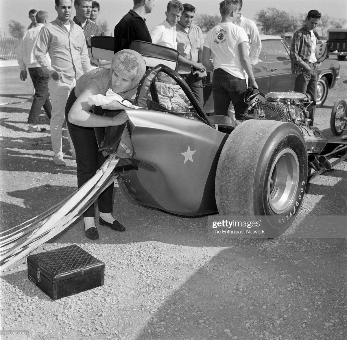 64 1965 NHRA World Championship and Tulsa Invitational Drag Races.jpg
