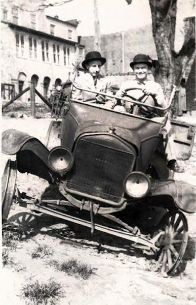 65 Brooks Minter and Ray Grubb in Forest Glen, MD_ Undated.JPG