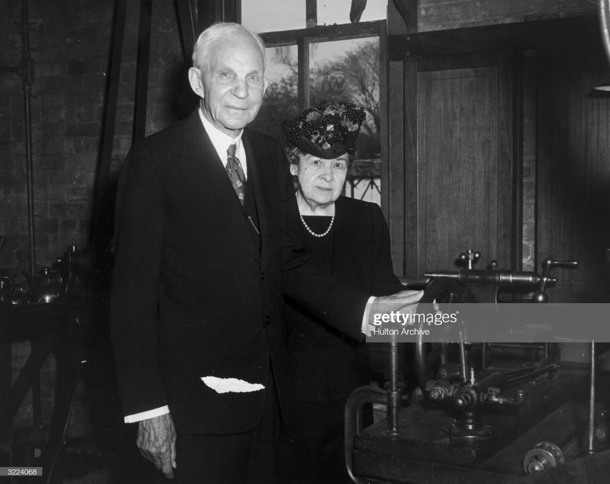 65 Henry Ford (1863 - 1947) and his wife, Clara Ford,.jpg