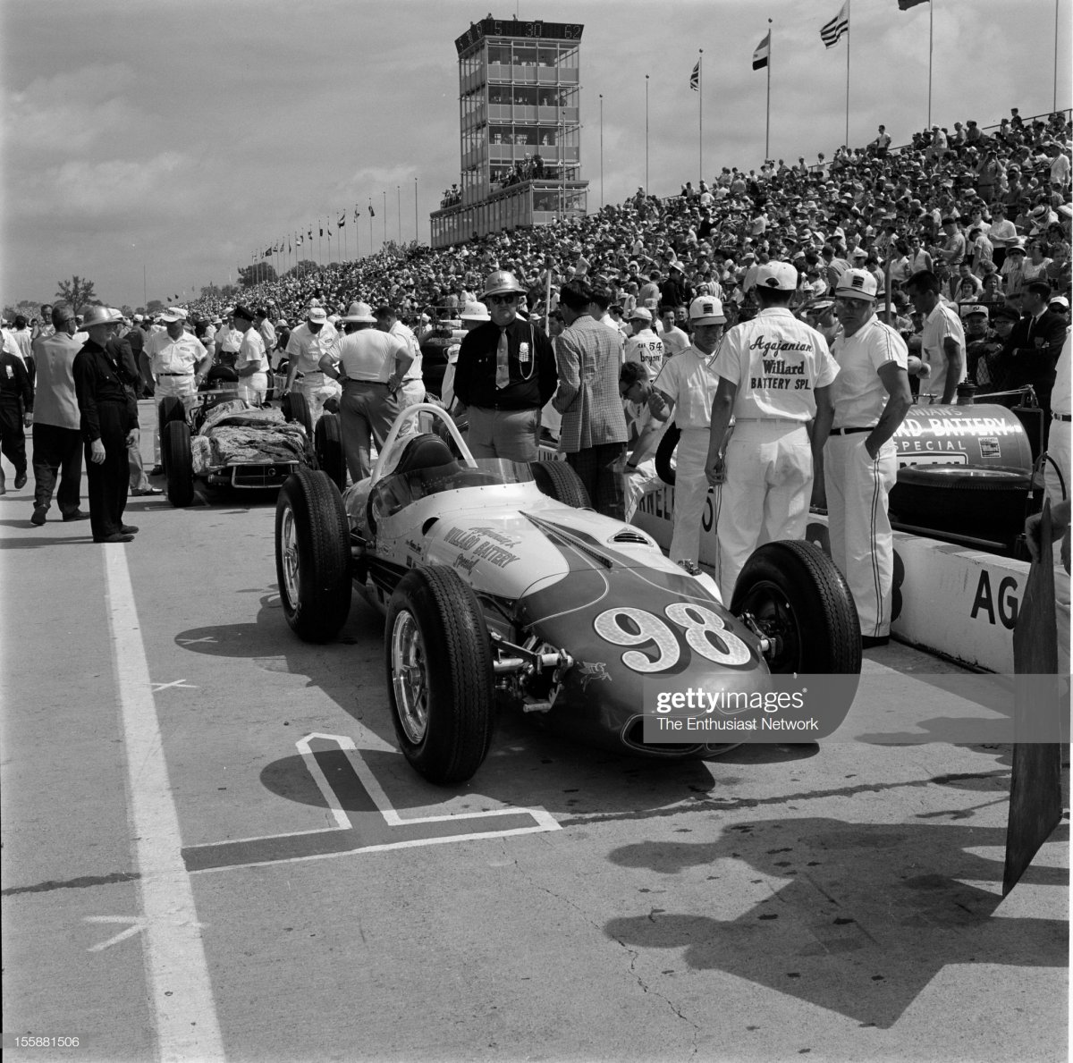 69 1962 Indianapolis 500. Parnelli Jones car sits in the pits..jpg