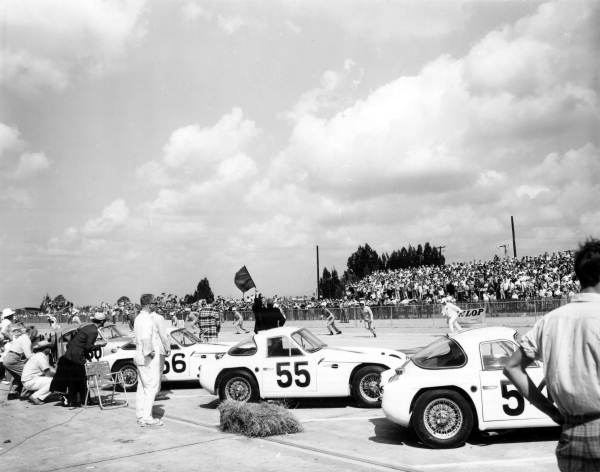 69 sebring 1962.jpg