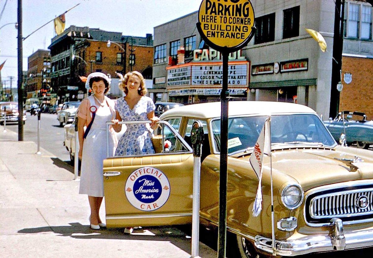 7 Miss-America-and-Her-Offical-1950s-Nash-Car.jpg
