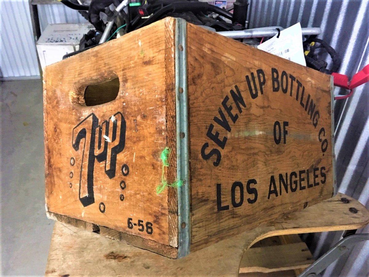 7 Up box 1 (2).JPG