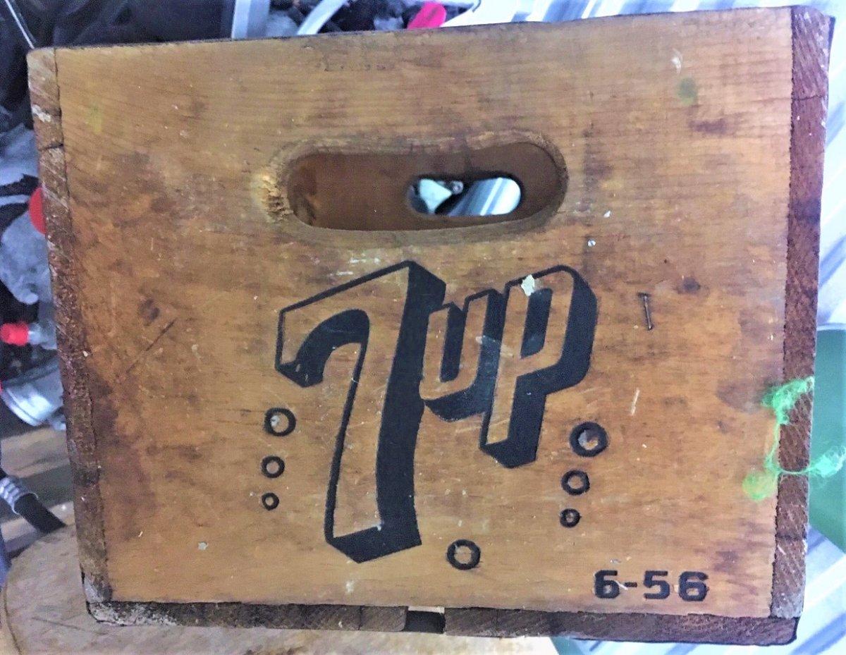 7 Up box 2 (2).JPG