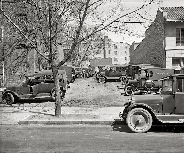 72 cars parked at Robey Motor Co_ Washington DC, 1926.JPG