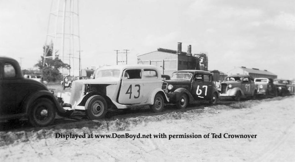 7b Ted Crownover's dad racing his 1934 Ford stock car.JPG