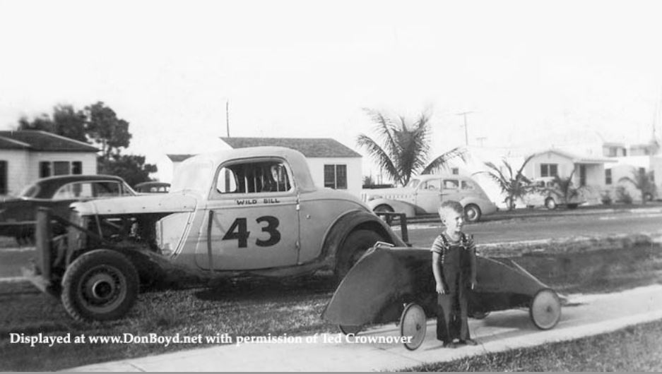 7d Ted Crownover's dad racing his 1934 Ford COUPE stock car.JPG