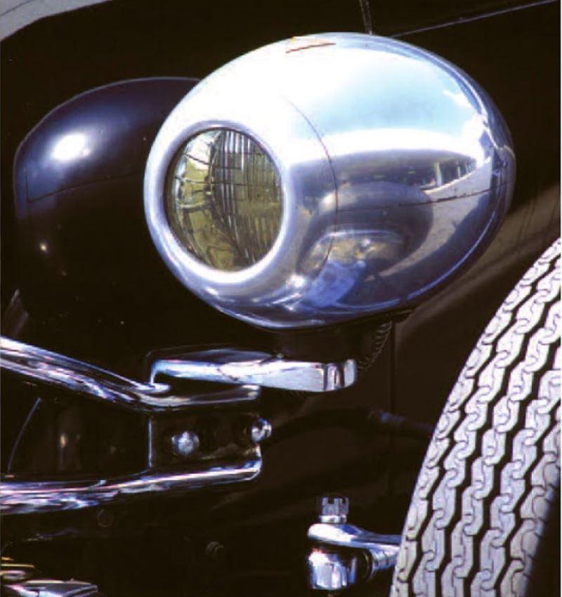 8 - Frank Mack T - E&J headlights (Dain Gingerelli).JPG