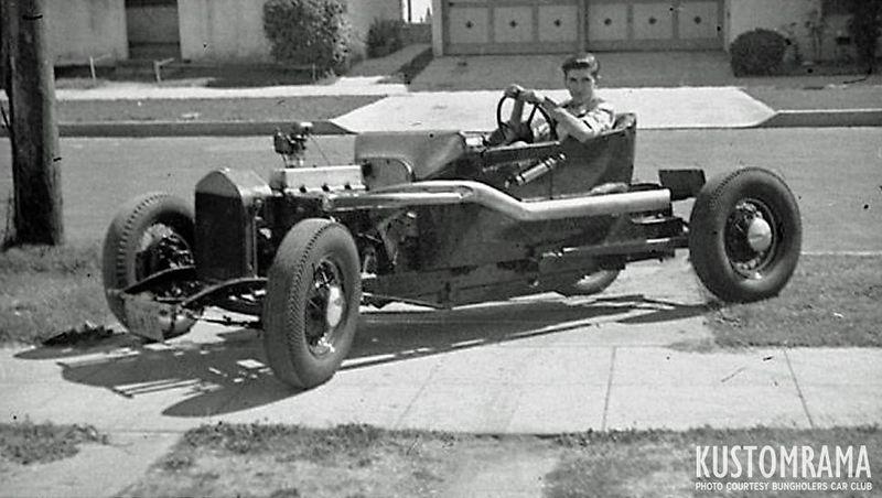 800px-Ed-isky-iskenderian-1924-ford-model-t-BH-035-010.jpg