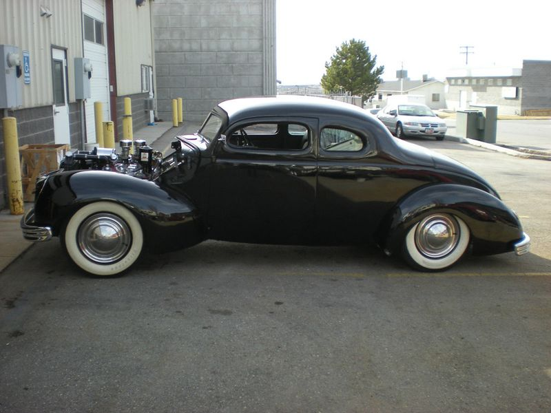 800px-Fred-cain-1940-ford-rod-custom6.jpg