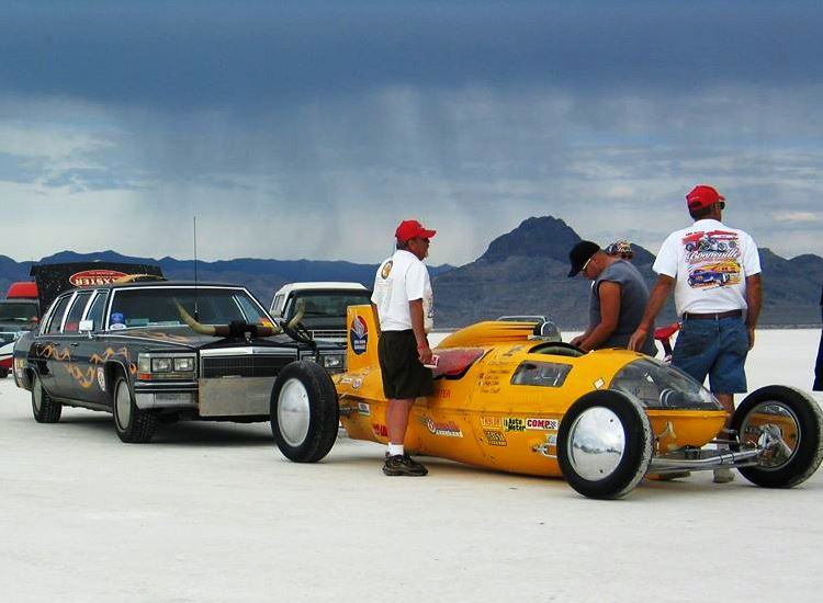 #909 at Bonneville Speed Week 2004 (by Peter Hendrickson).jpg