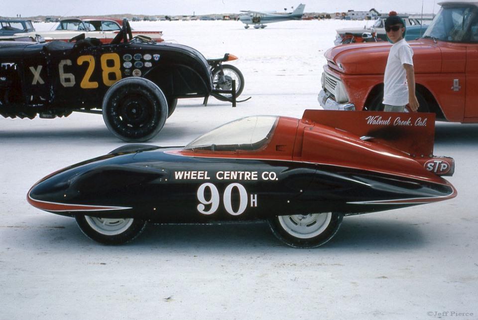 #90H - 1964 Bonneville (2).jpg