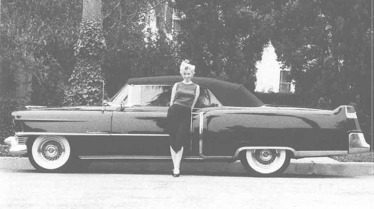 96 Marilyn Monroe and her Cadillac.JPG