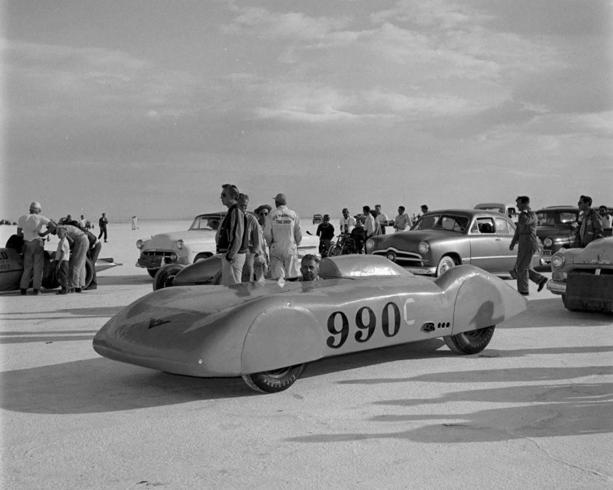 #990 - December 1953 HRM photo (Petersen Archives).jpg
